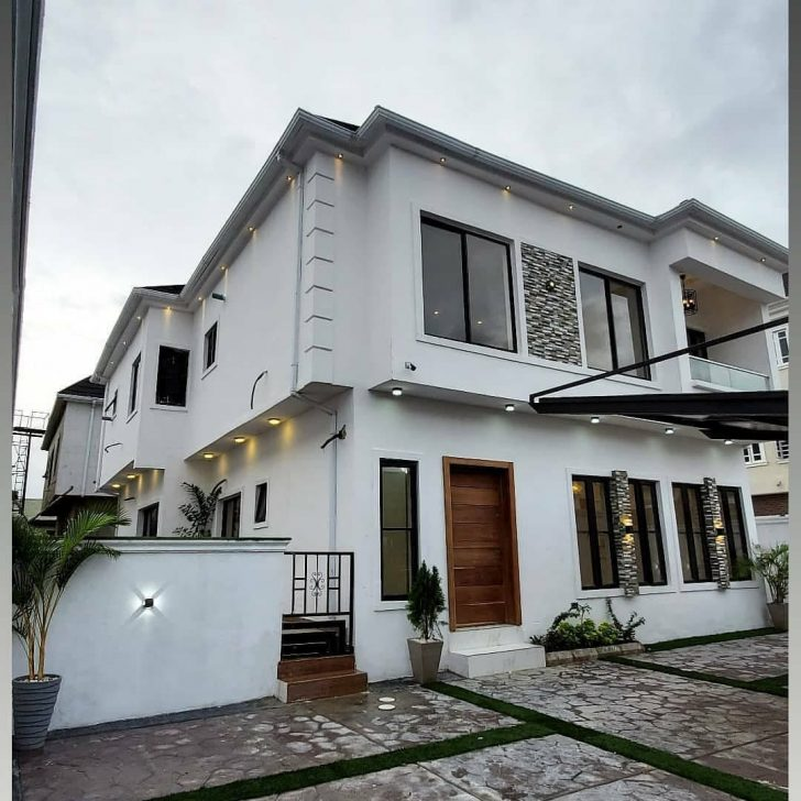 Naira Marley Acquires Mansion In Lagos (Photo)