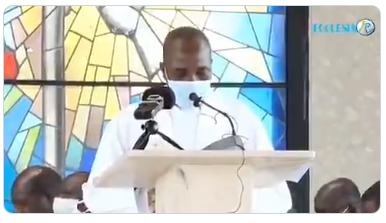 Catholic Priest Reportedly Slumps And Dies While Preaching On The Altar (Video)