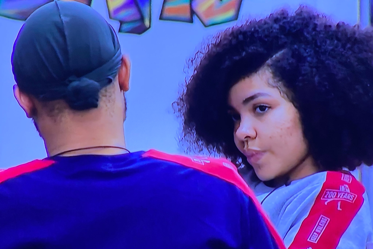 #BBNaija:  Emotions Flow As Nengi Tell Ozo About Her Late Mother And Horrible Life Experiences (Video)