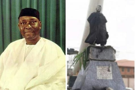 Angry Mob Set Nnamdi Azikiwe's Statue Ablaze In Anambra 1