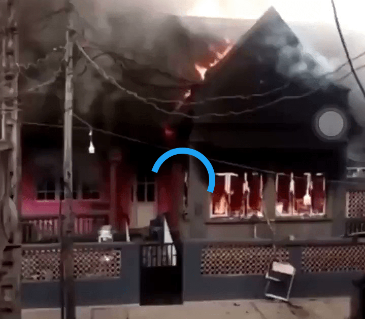#EndSARS: Angry Youths Burn Down Sanwo-Olu's Family House In Lagos (Video)
