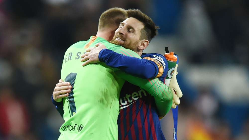 Ter Stegen Urges Messi To Stay At Barcelona
